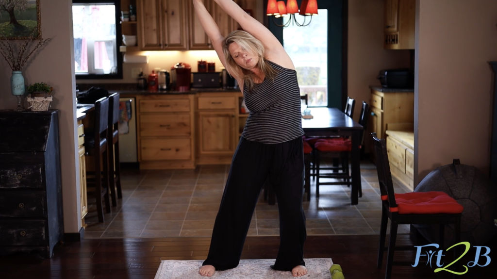 Kelly's Simple Stretches - Top 5 stretches for great abs and a strong body - fit2b.com